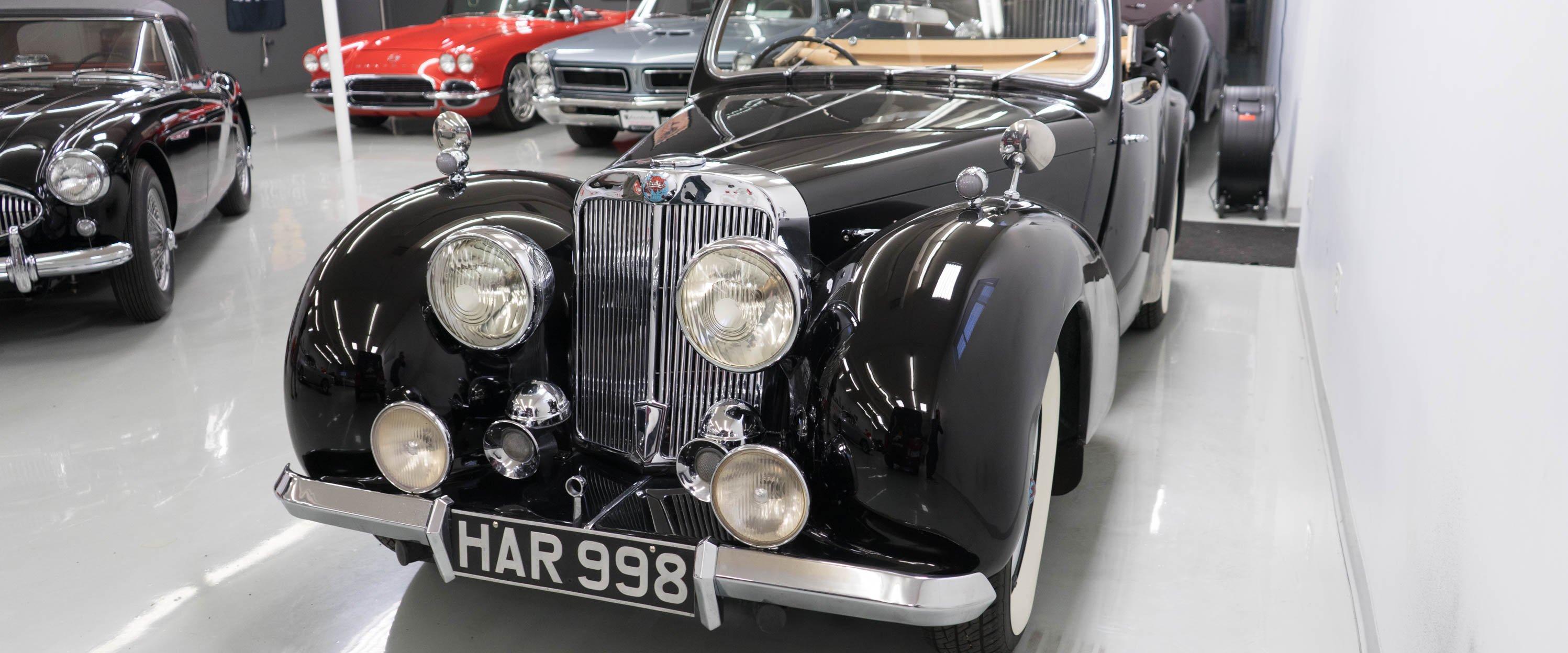 1946-Triumph-1800-Roadster-Black-slideshow-003@2x
