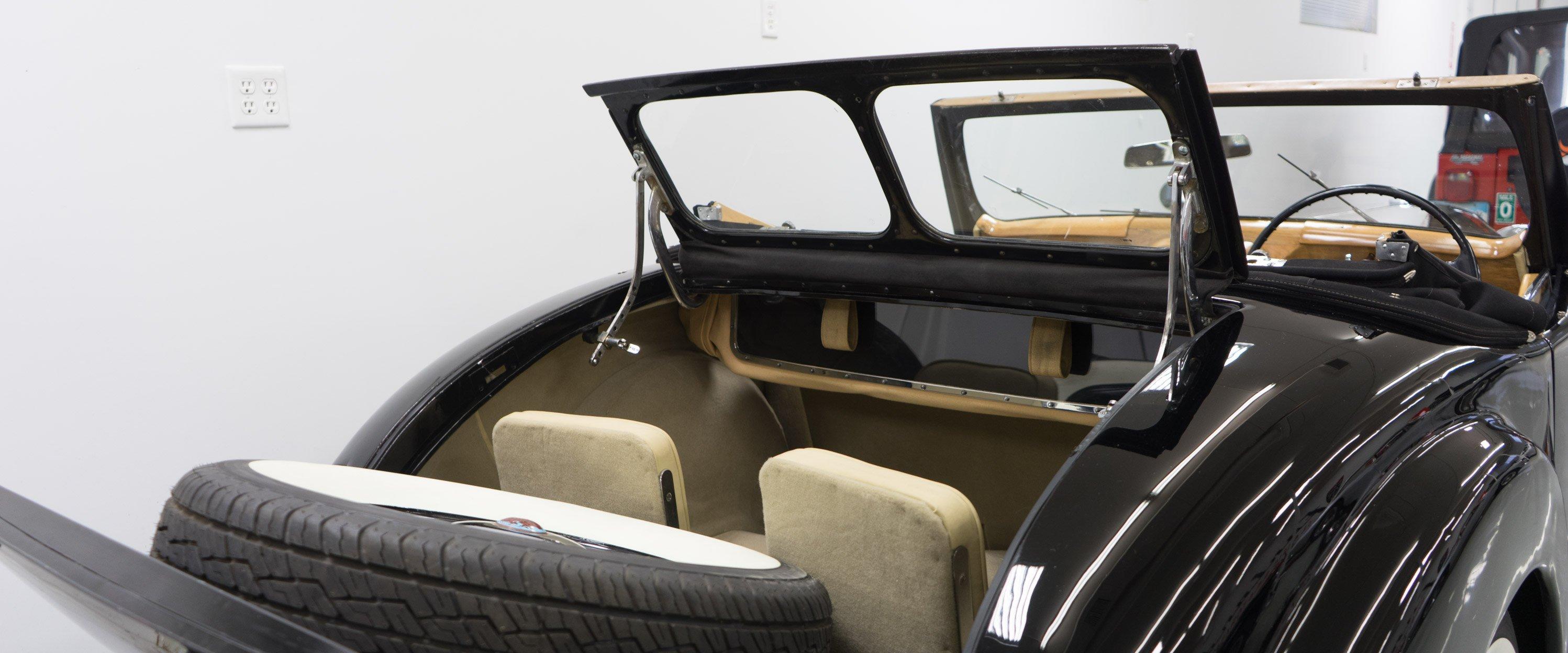 1946-Triumph-1800-Roadster-Black-slideshow-014@2x