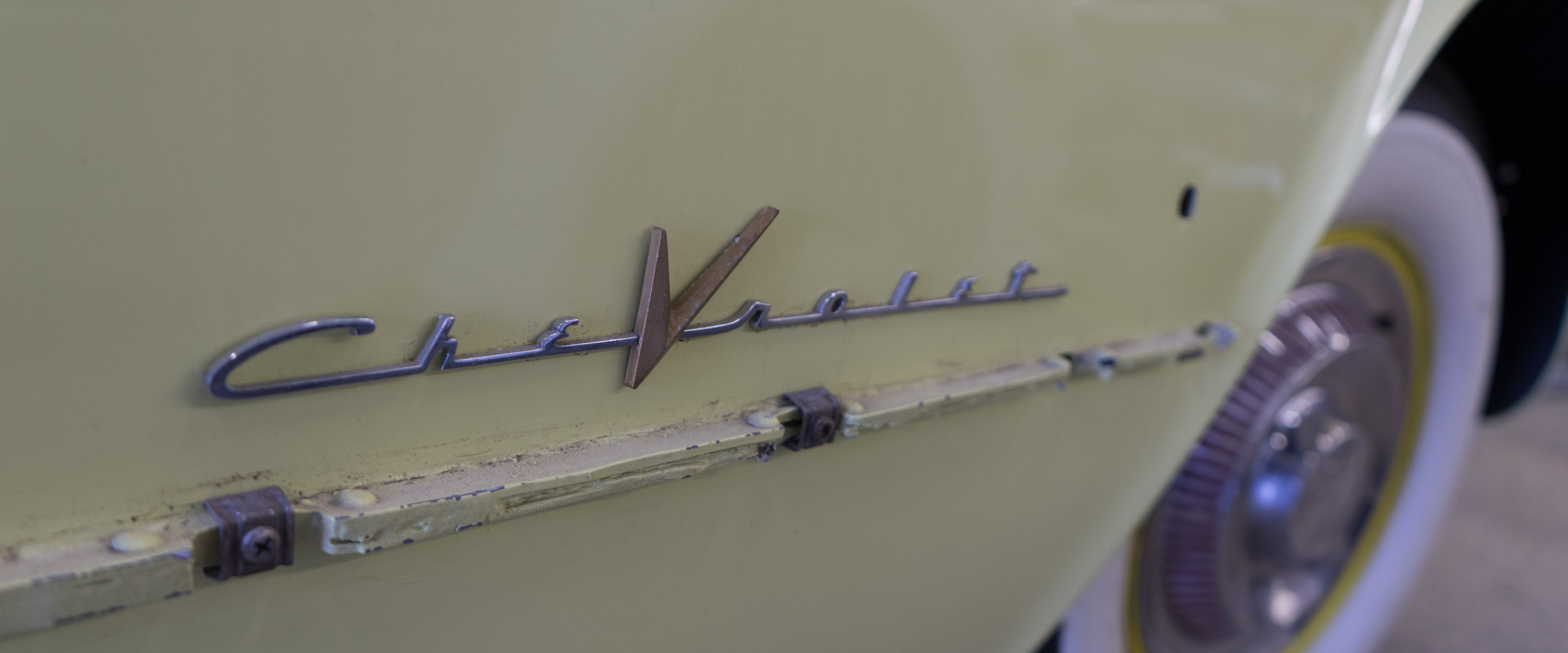 1955-Chevrolet-Corvette-Roadster-Yellow-slideshow-006@2x