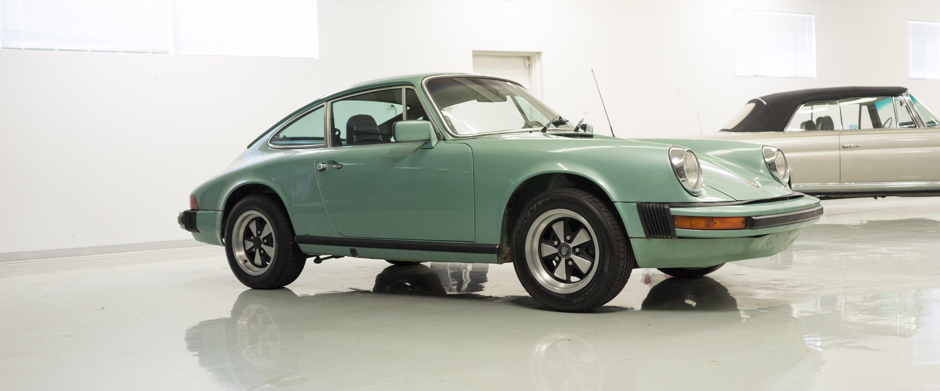 1977-Porsche-911S-Green-slideshow-003@2x